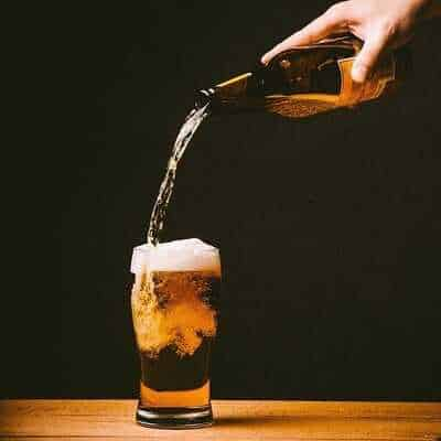 What is the Right Way to Pour the Beer in a Glass